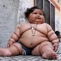 8-Місячна дівчинка важить 17 кілограмів, і лікарі не можуть поставити їй діагноз