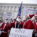 Болгари влаштували акцію «діти на різдво потребують батьків» (5 фото)