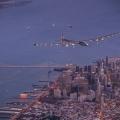 Як літає літак на сонячних батареях