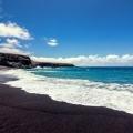 Дивовижної краси чорні пляжі світу